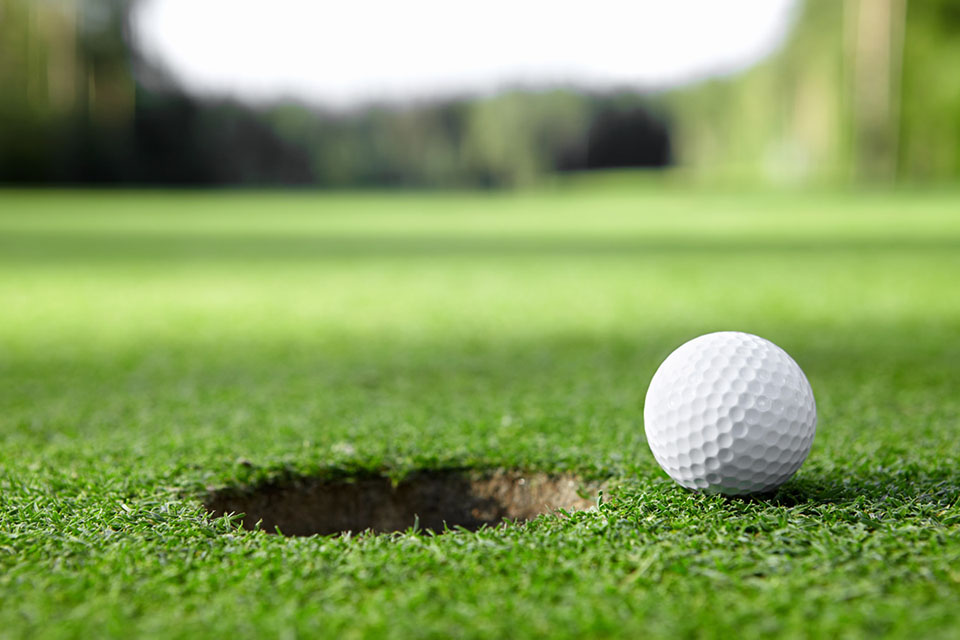 Jugando al Golf en Zahara de los Atunes